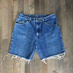 Lee Shorts - Vintage Lee boyfriend jean cut off shorts!!!